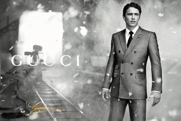 """自1921年创办人 古奇欧?古驰(Guccio Gucci)在佛罗伦萨创立Gucci品牌以来,Gucci就一直为全世界最具鉴赏力的男士和女士的心之所系。贵族气质、精妙工艺与时尚魅力,这一无可比拟的凝聚,令Gucci成为""""意大利创作""""的顶级象征。对卓越的不懈坚持,一直是创作总监 弗里达?"""