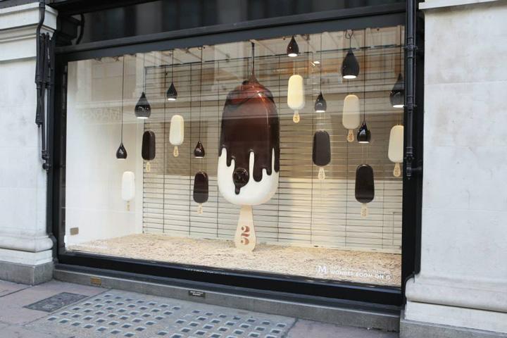 冰淇淋橱窗陈列设计