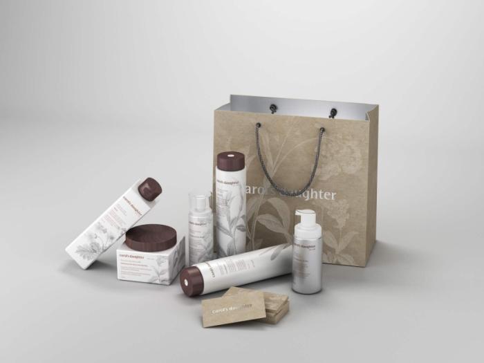 而服装纸袋的包装设计就如某些品牌男装设计师说,服装的核心就是在于